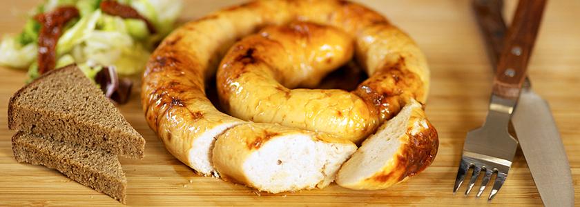 Домашняя колбаса и домашний сыр к домашнему чаю