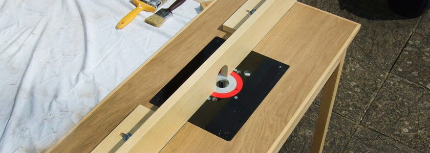 Столярный фрезерный стол из ручной фрезерной машины