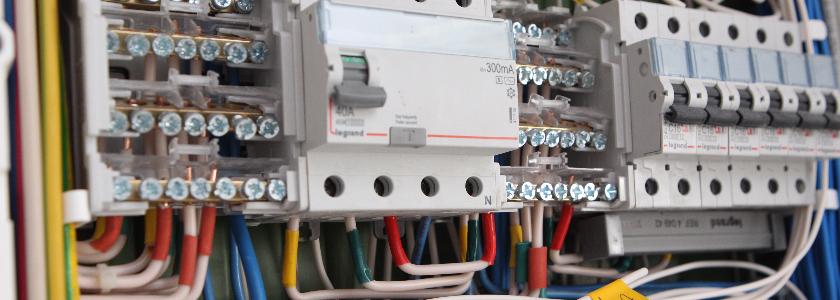 Электрический щиток в частном доме: комплектация и последовательность подключения оборудования