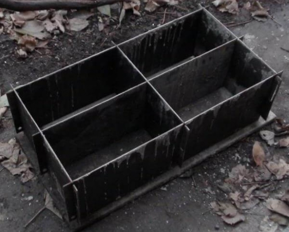 Вариант разборной металлической формы