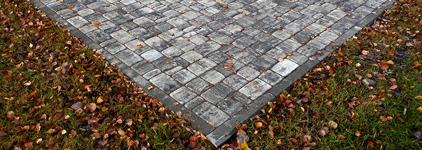 Технологии производства тротуарной плитки: сравнение вибролитья и вибропрессования