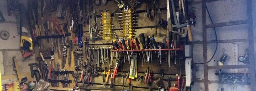 50 фото-идей для оптимального размещения инструментов в мастерской