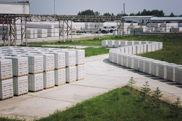 Фото блоки газобетона в палетах на производстве