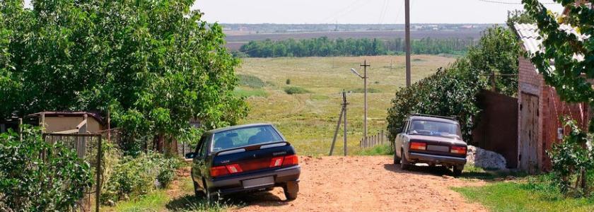 Владельцы участков начали получать штрафы за парковку на даче
