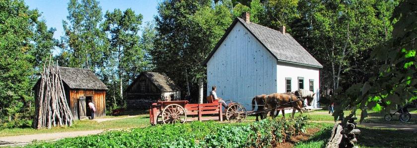 Фермеры смогут возводить жилые дома для своих семей на землях сельхозназначения