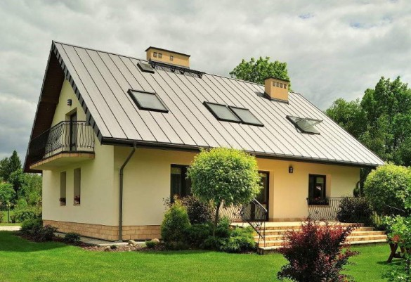 Фото двускатная крыша на доме с мансардой