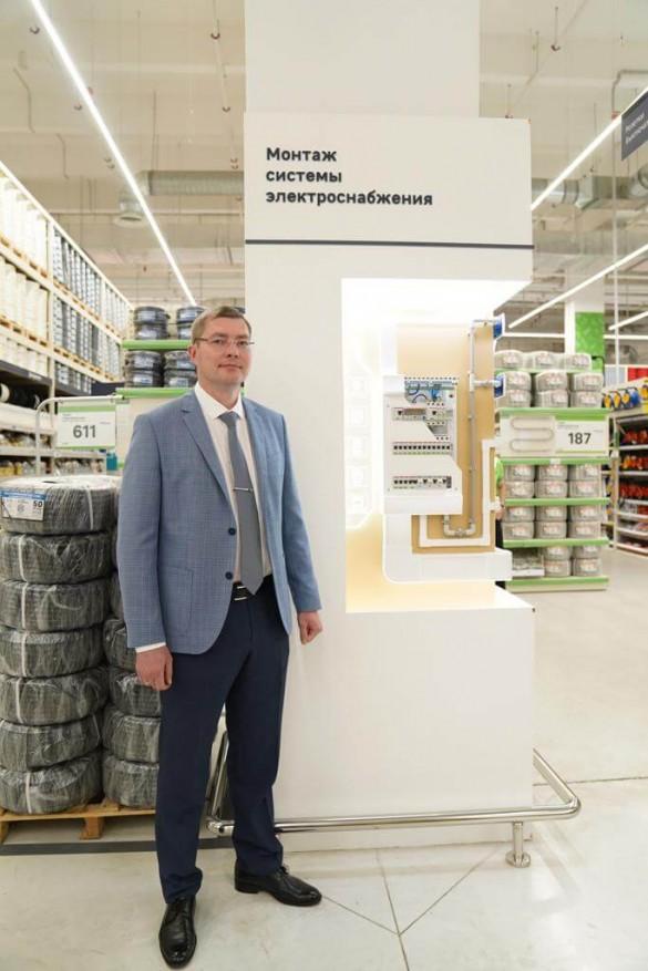 Денис Черняев, рук-ль макрорегиона Центр подр.Электрооборудование ABB