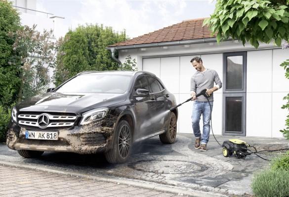 Очищение автомобиля с минимойкой Karcher