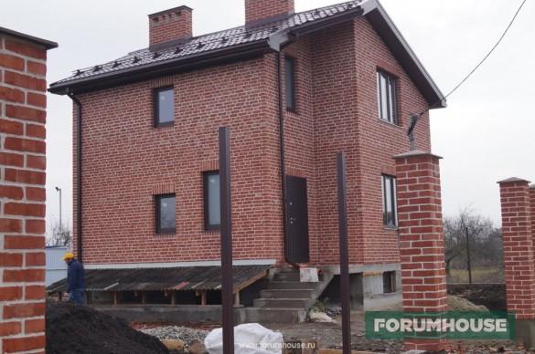 Фото дом из рядового кирпича с белым швом