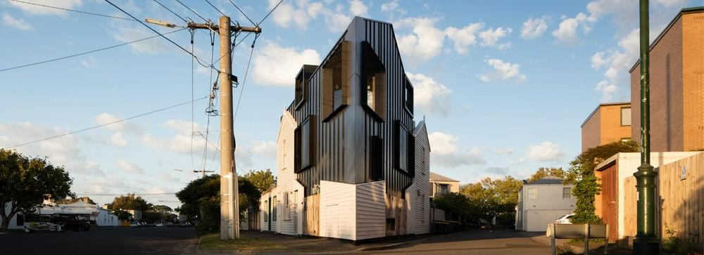 Дом для треугольного участка: дизайн и нюансы проектирования