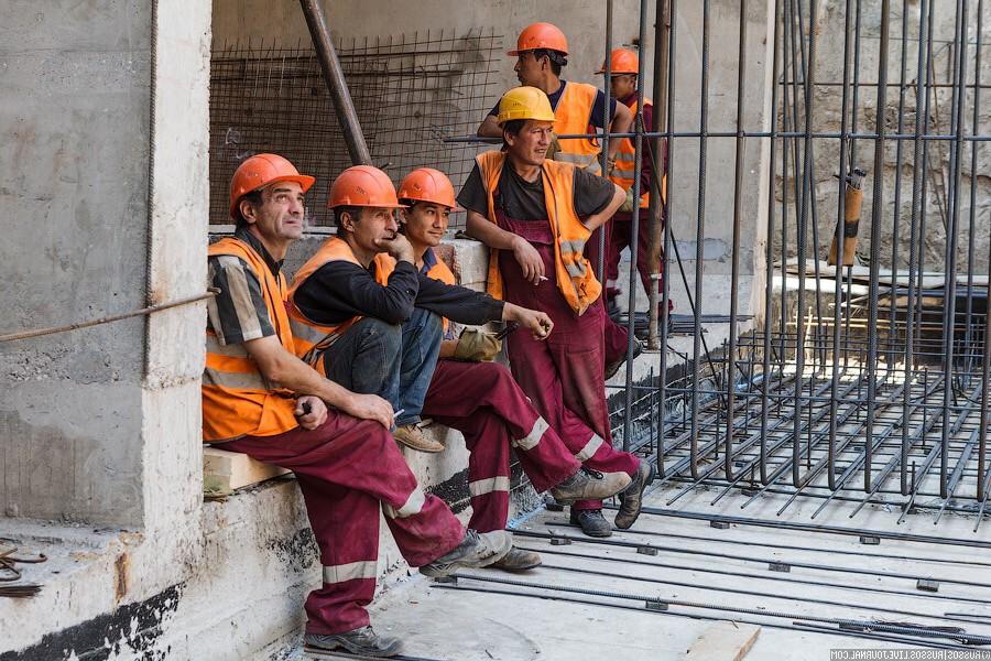 Как организовать быт рабочих на время стройки?