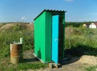 Дешевый дачный туалет