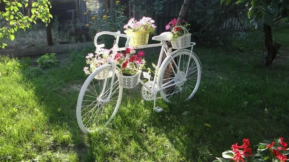Как использовать старый велосипед на даче?