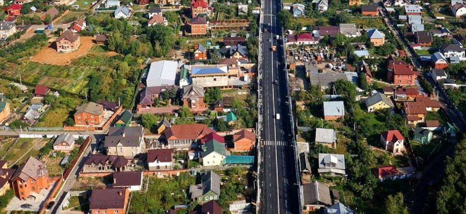 Где лучше купить дом, в деревне или в СНТ?
