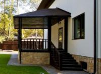 Крыльцо в частном доме: основы строительства крыльца