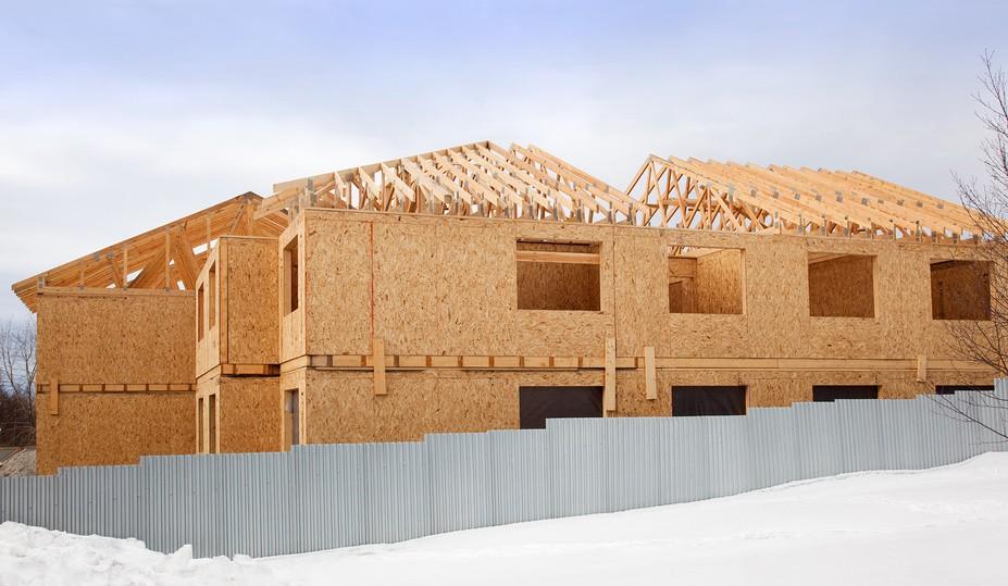 Стройка уходит в зиму: консервируем недострой, продолжаем строиться