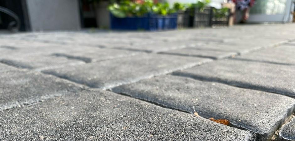 Как выбрать тротуарную плитку: вибролитье vs вибропрессование