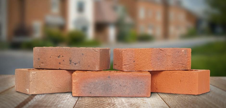 Каркас, кирпич, газобетон, брус. Какой дом дешевле построить в 2021 году?