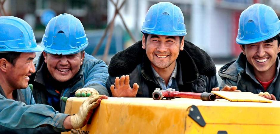 В Россию ввезут 10 000 строителей из Узбекистана