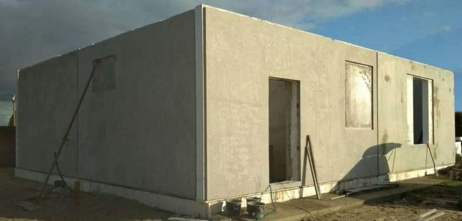 Ровный фундамент, ровные стены: строительство дома из самодельных ЖБ-панелей по технологии Tilt-Up