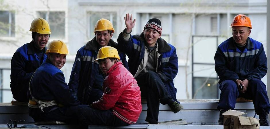 В конце октября в Россию начнут ввозить строителей-мигрантов